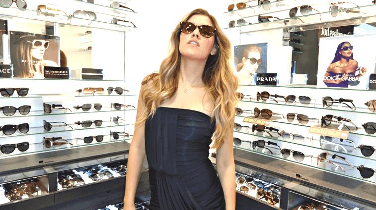 Tienda Sunglasses Hut en Cancún