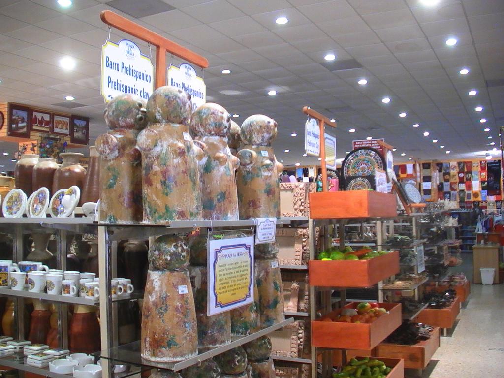 Productos en Plaza La Fiesta Mexican Outlet en Cancún