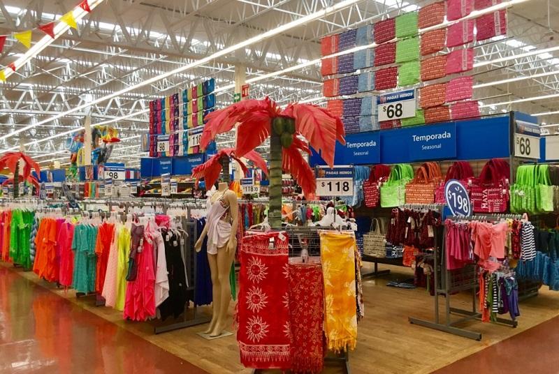 Mercadería en el Walmart en Cancún